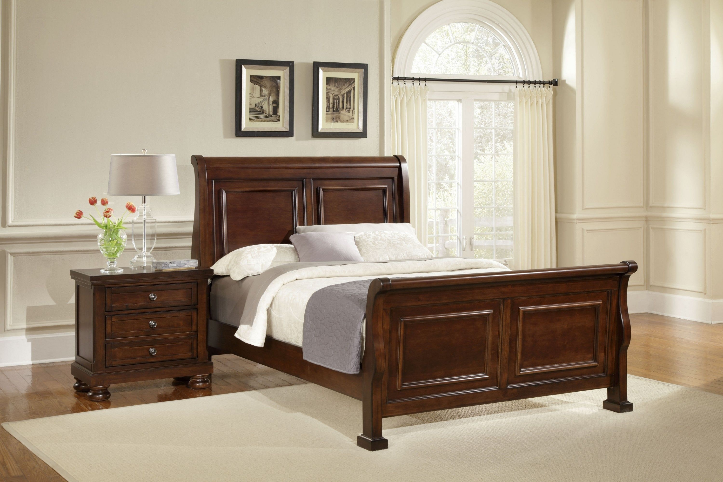 Vaughan Bassett Furniture Company Reflections Sleigh King Bed G54715