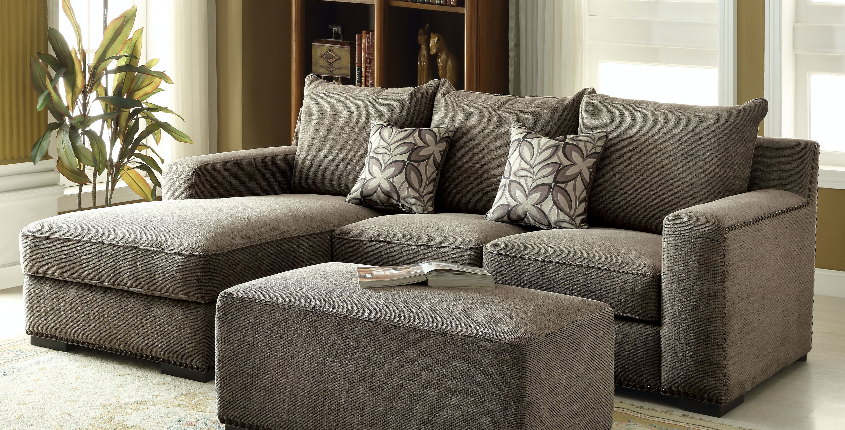 Acme Furniture Ushury Sectional Sofa With 2 Pillows 53590