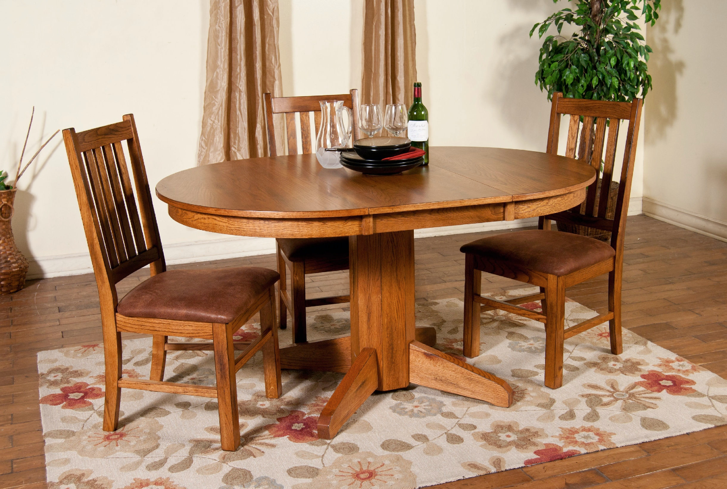 Sunny Designs Dining Room Sedona Oval Extension Table