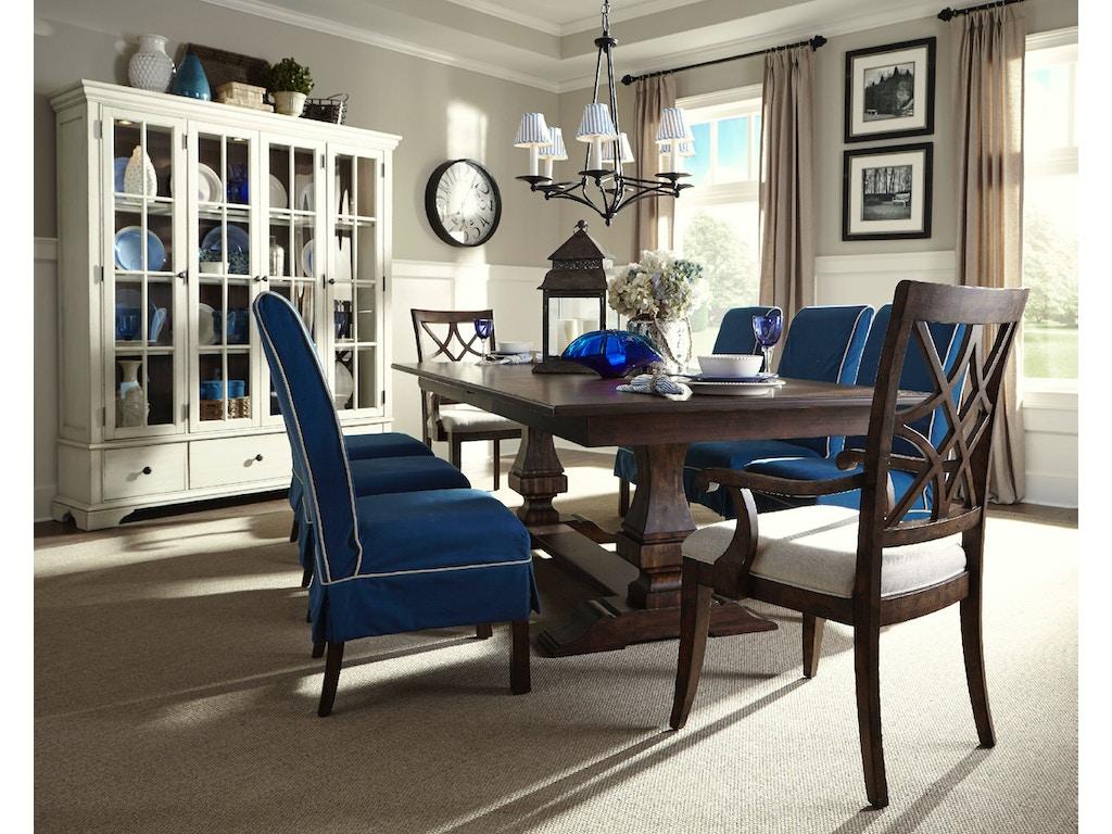 Trisha Yearwood Dining Room Table Hanks