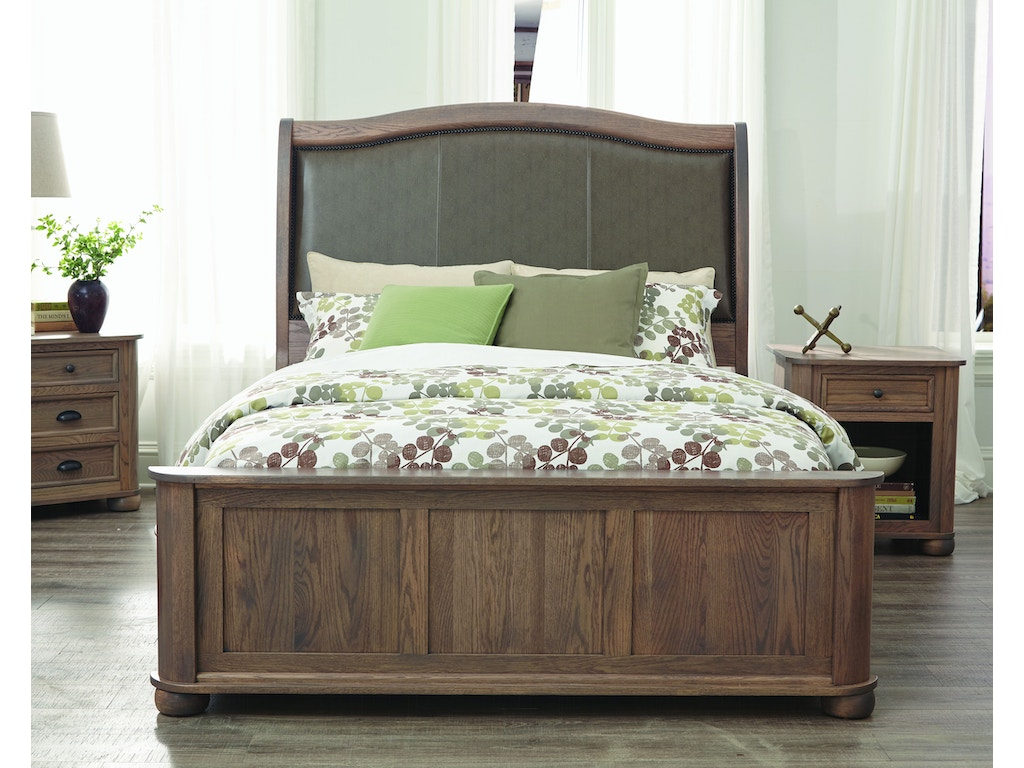 Palettes by winesburg bedroom kingsport upholstered bed for Bedroom furniture limerick
