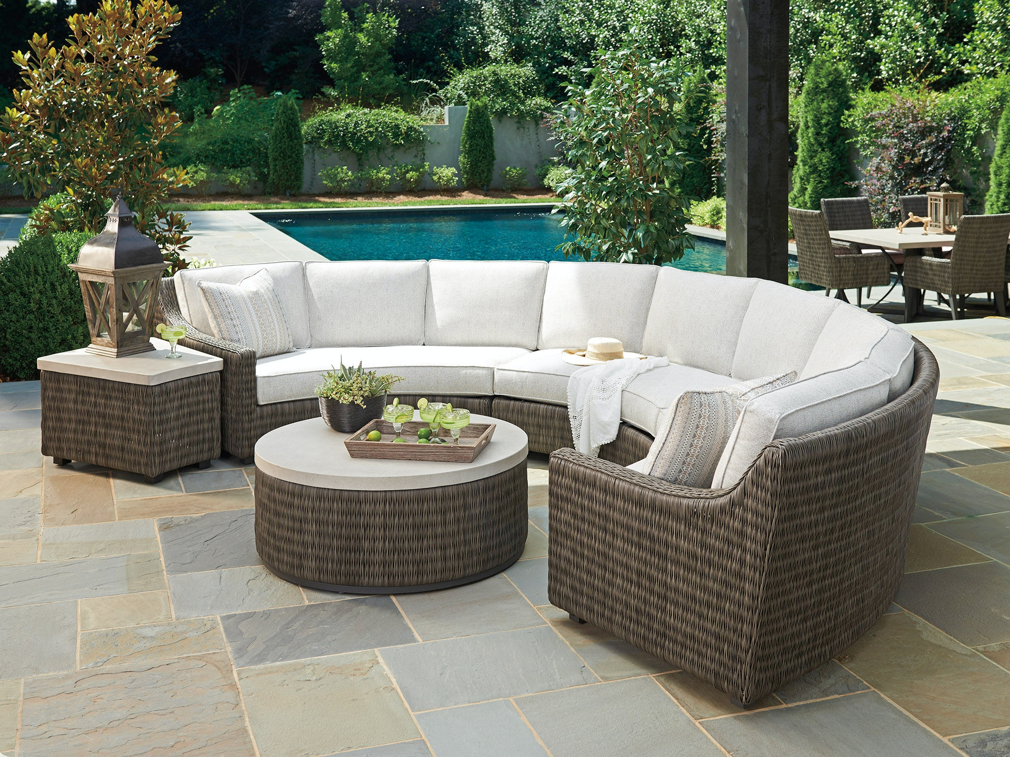Bon Tommy Bahama Outdoor Living Curved Sectional Left Arm Facing Sofa 3900 82LB