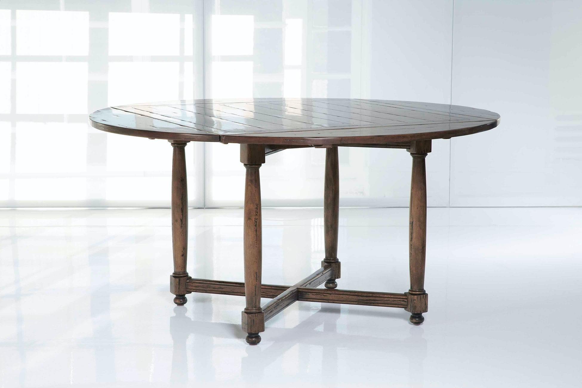 Kravet Turned Square to Round Dining Table WD442SR IP CR  : wd442sr from search.kravet.com size 768 x 576 jpeg 24kB