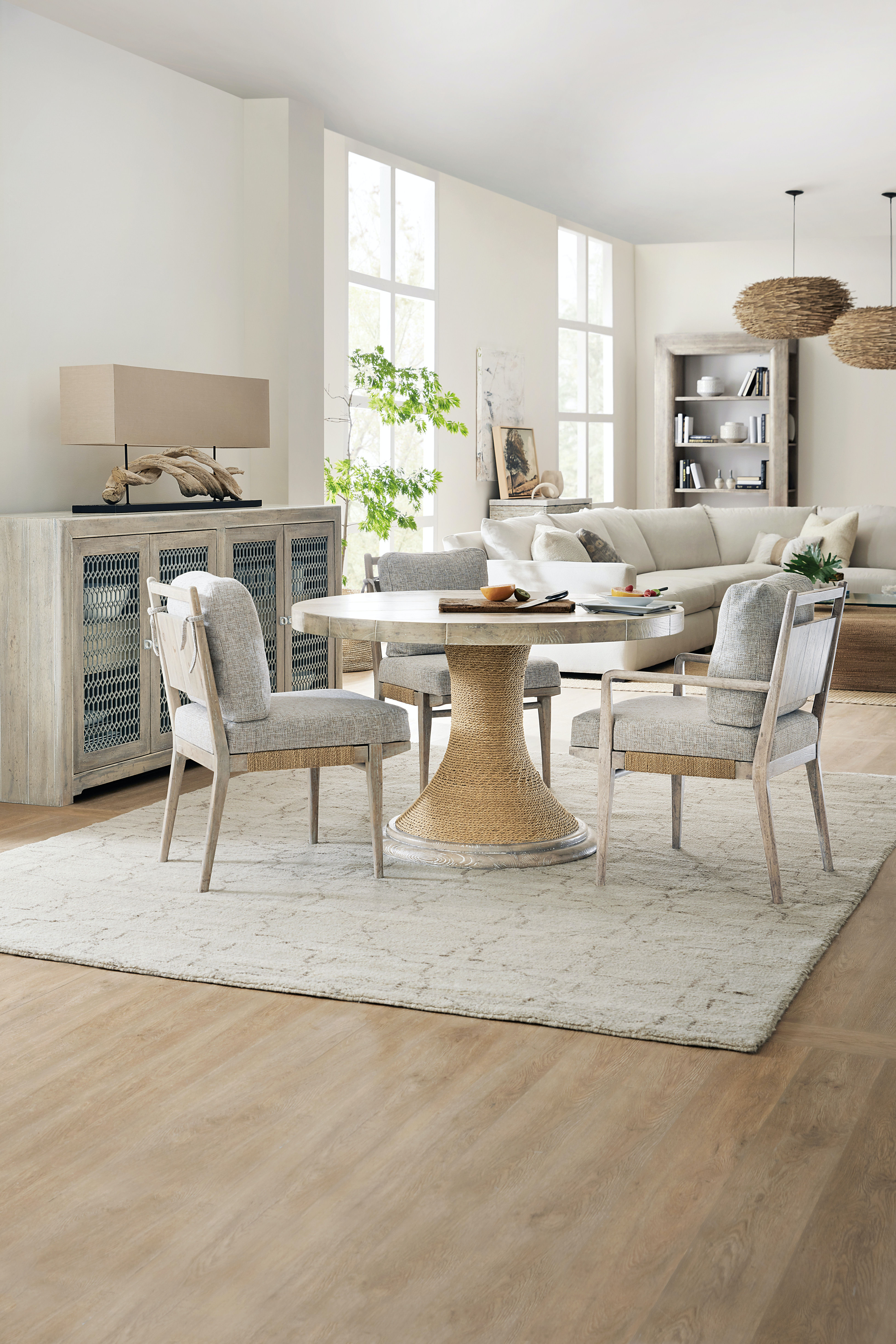 Hooker Furniture Dining Room Amani 48in Round Pedestal Dining Table