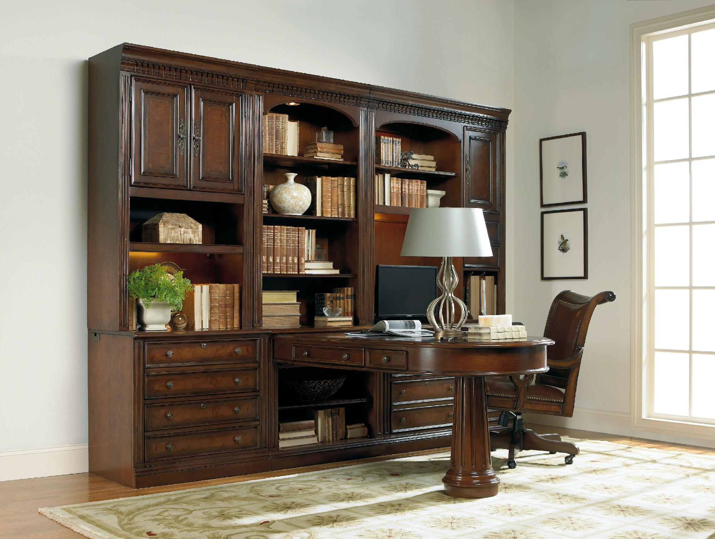 Hooker Furniture European Renaissance Ii Peninsula Desk Complete