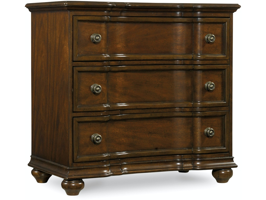 Hooker furniture bedroom leesburg bachelor 39 s chest 5381 for Hooker furniture