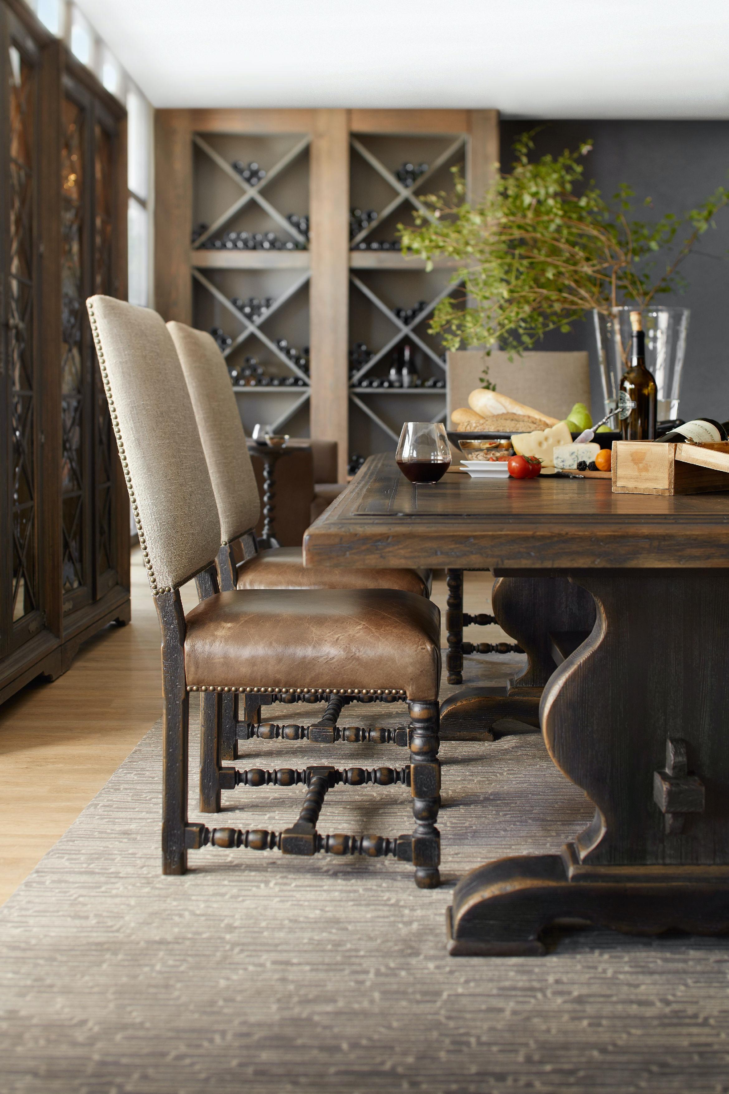 Hooker Furniture Bandera 86in Table w/2-18in Leaves 5960-75200-BRN