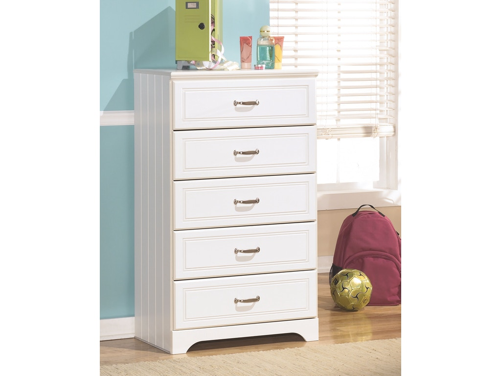 Signature Design By Ashley Bedroom Five Drawer Chest B102