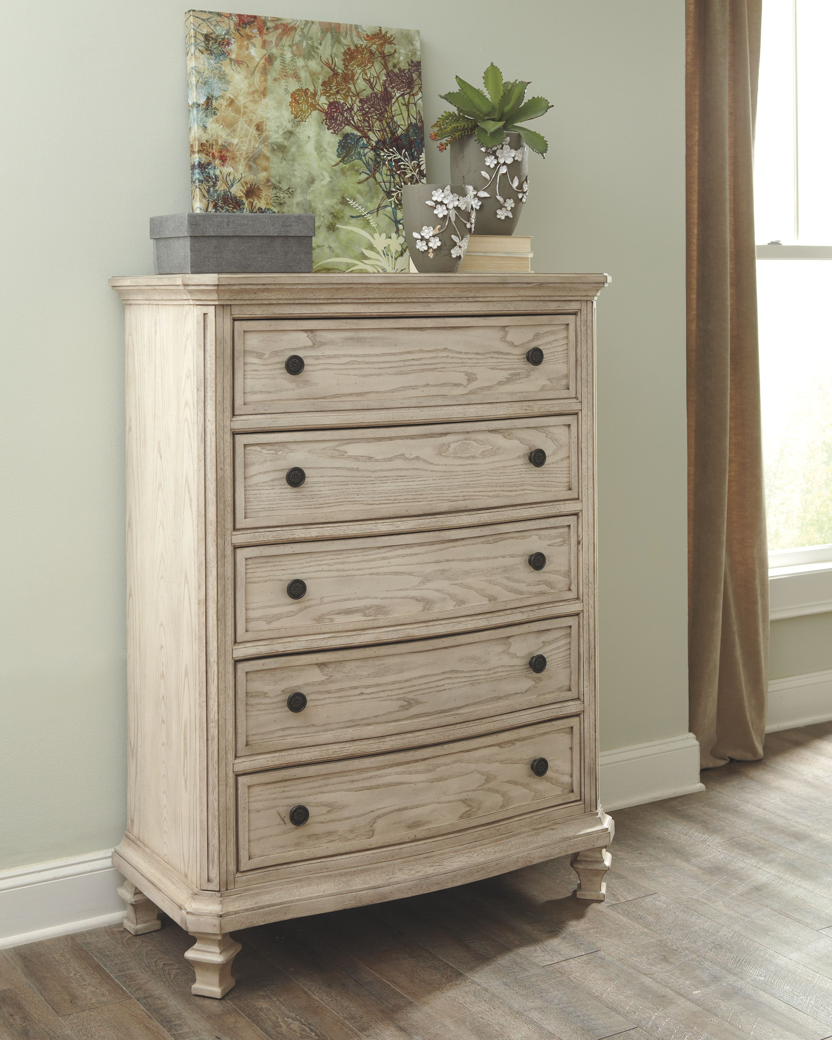 Signature Design by Ashley Bedroom Chest B693 46 Scholet