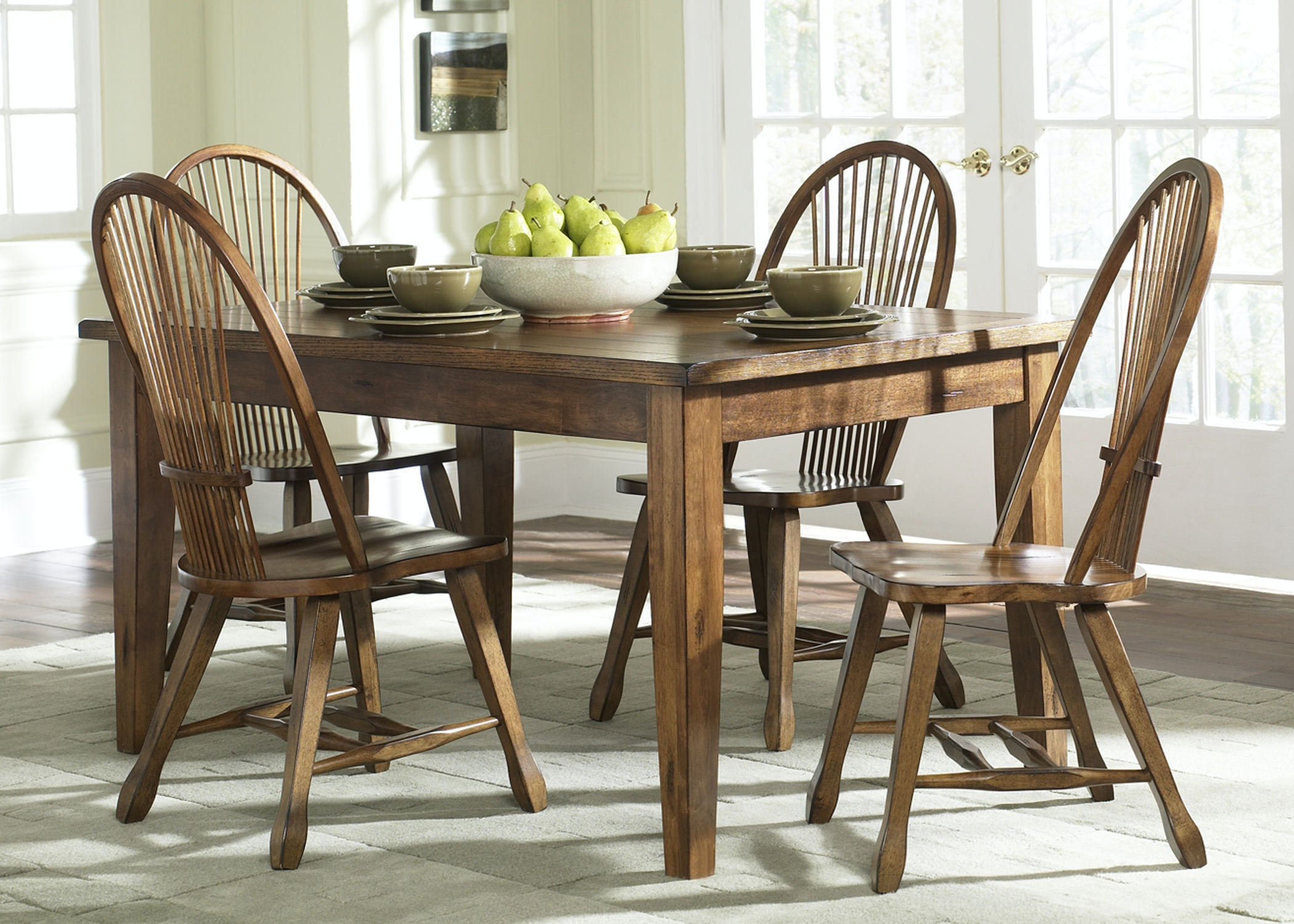 Liberty Furniture Dining Room Solid Top Leg
