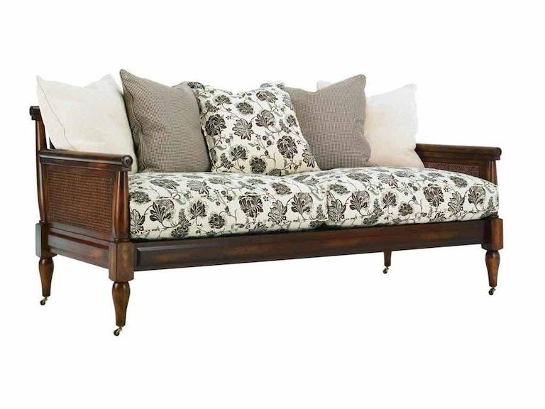 Henredon living room montfort chair h0855 dfurniture for D furniture galleries rockville md