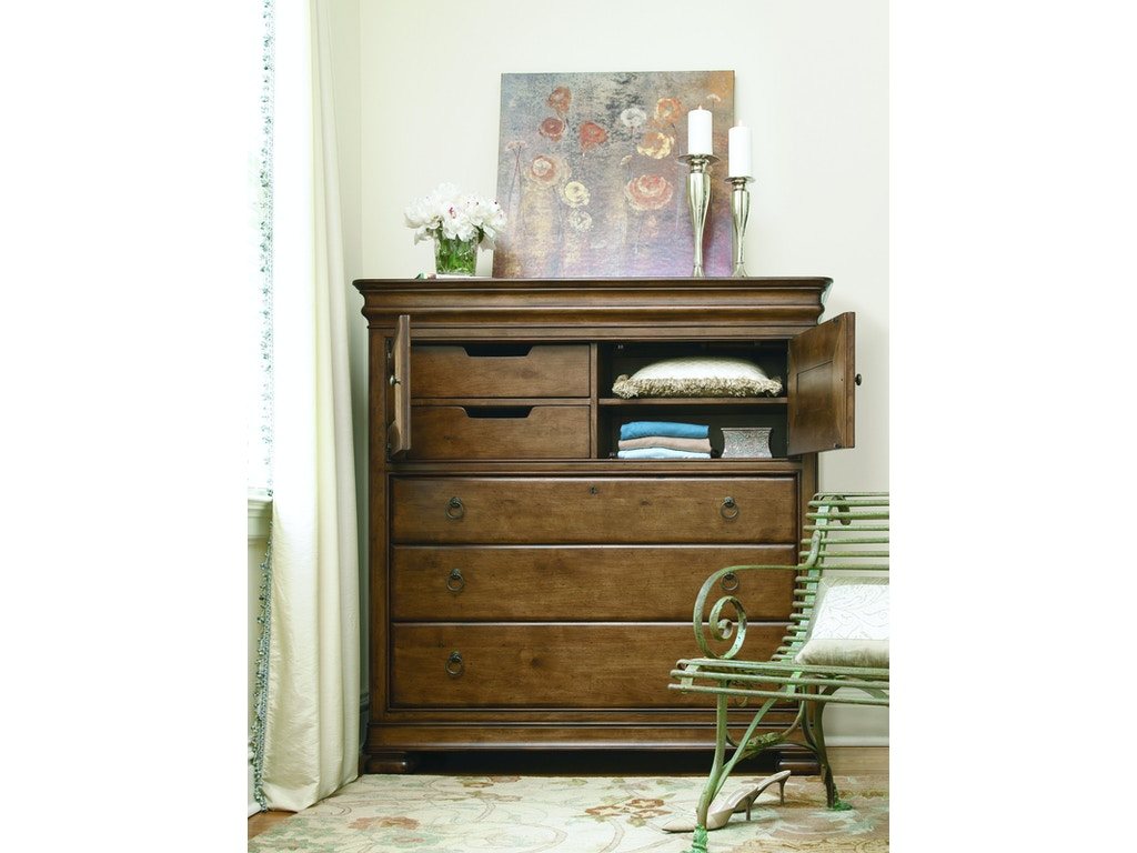 Universal Furniture Bedroom Dressing Chest 071175