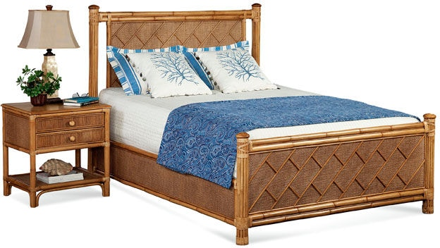 Summer Retreat Chippendale Queen Bed 818-221