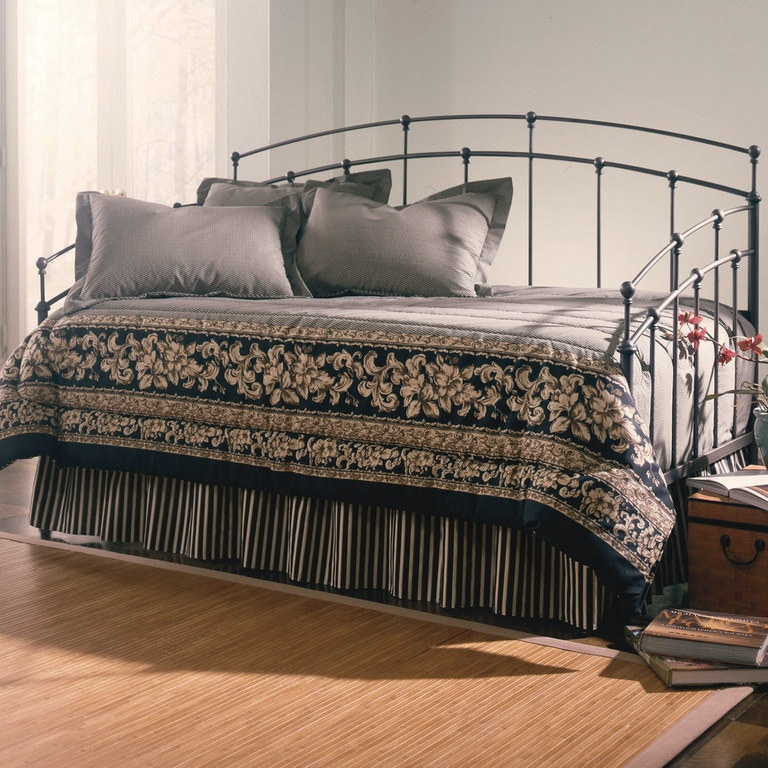 Fashion Bed Group Bedroom Fenton Complete Metal Daybed With Link