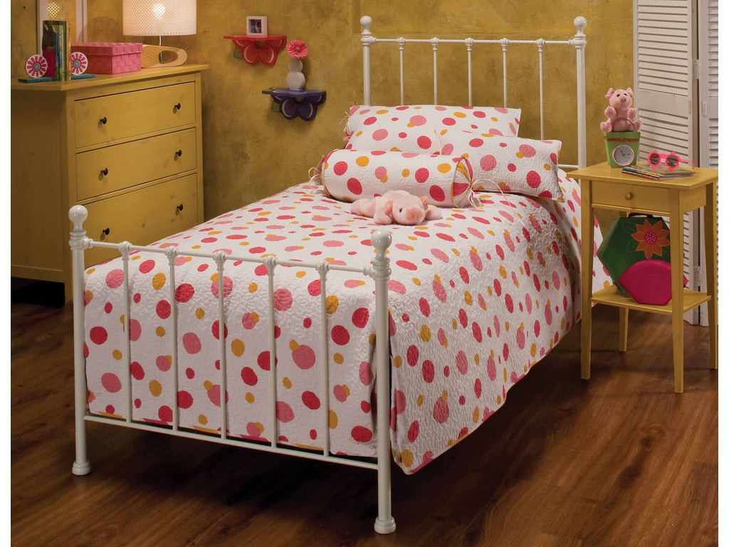 hillsdale furniture bedroom molly bed set queen rails not included