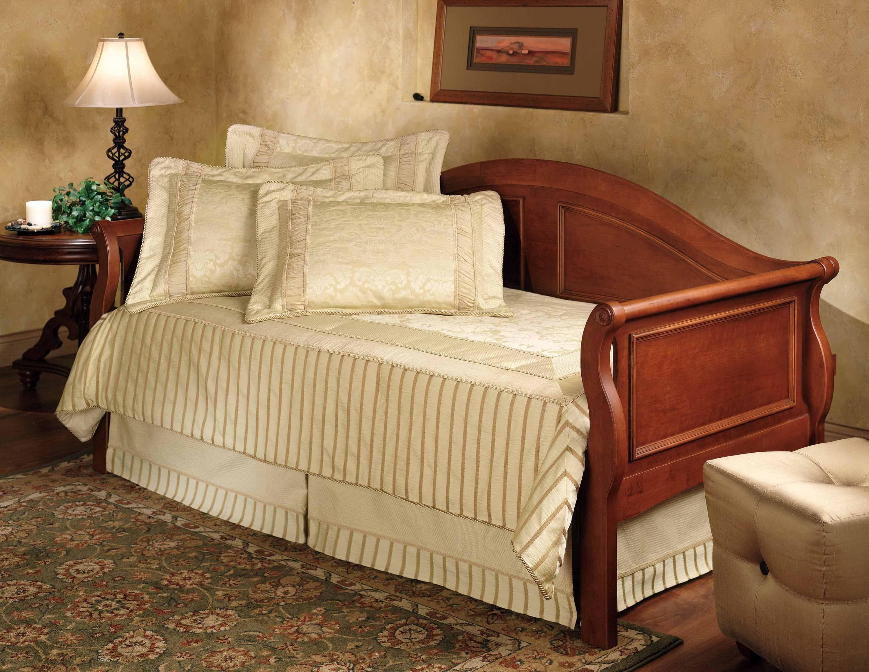 Hillsdale Furniture Bedroom Bedford Daybed   Back 124 01V   EMW Carpets U0026  Furniture   Denver, CO