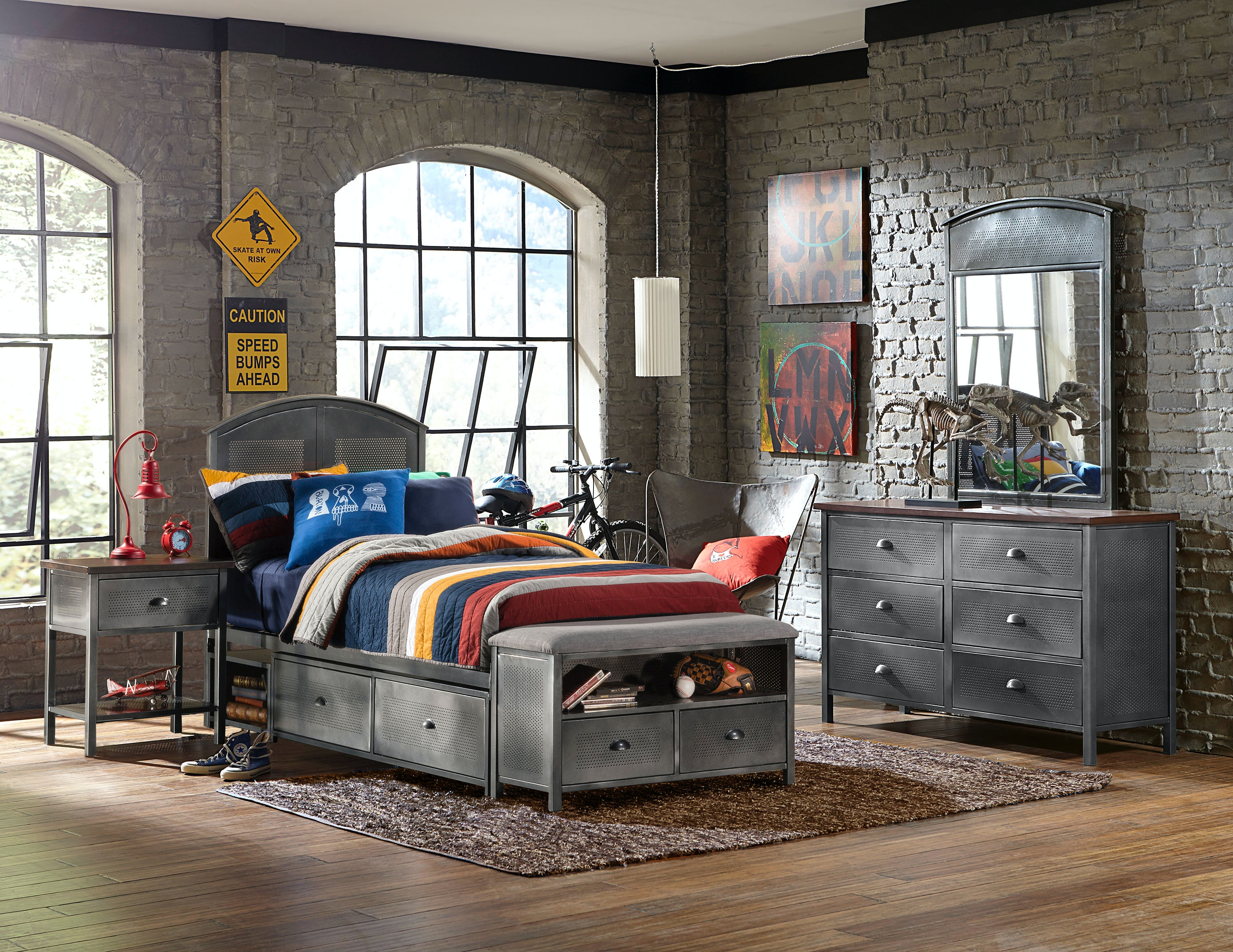 Hillsdale Furniture Urban Quarters Four (4) PC Panel Storage Bed Set With  Footboard Bench