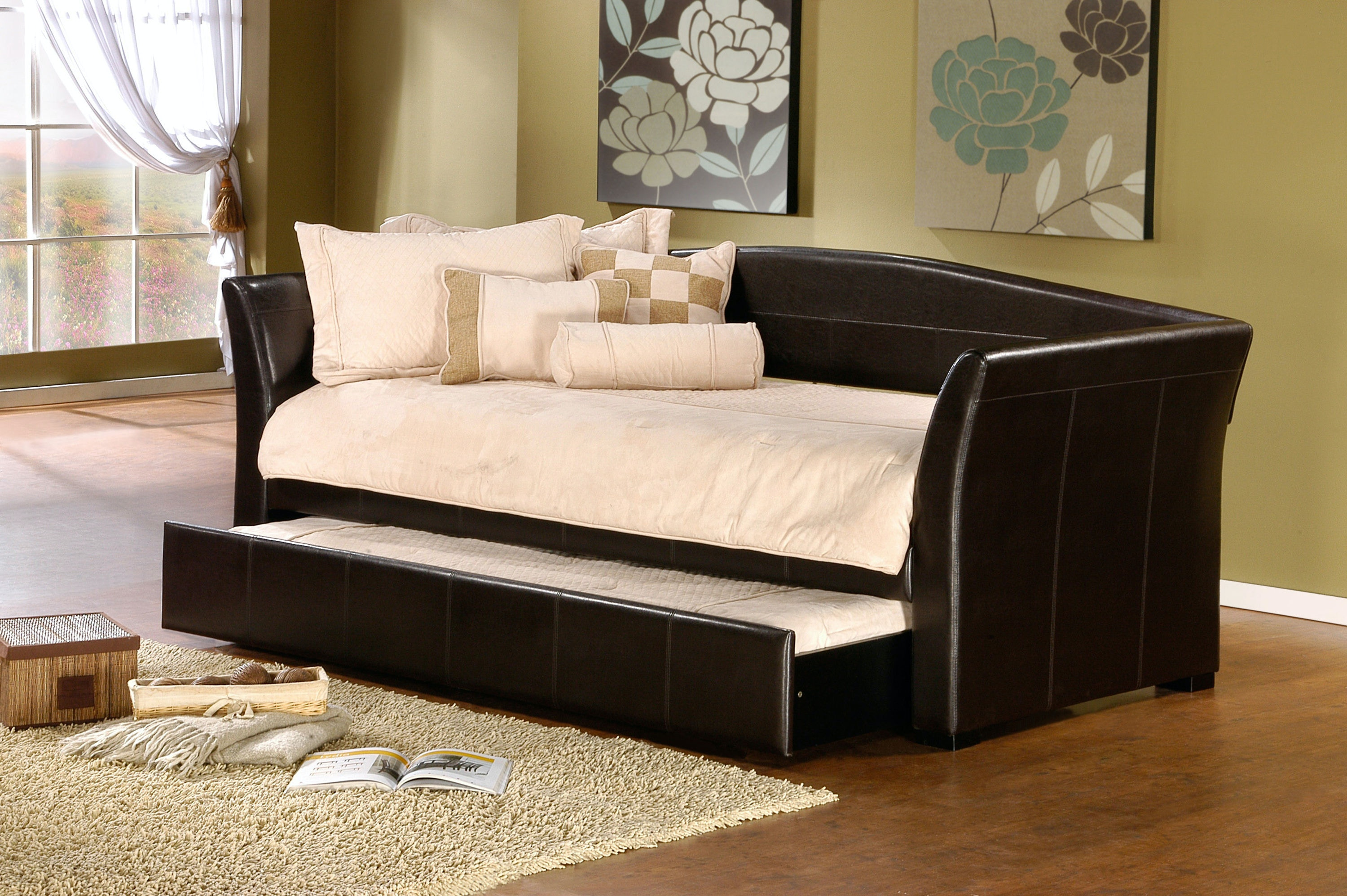 Hillsdale Furniture Bedroom Montgomery Daybed with Trundle