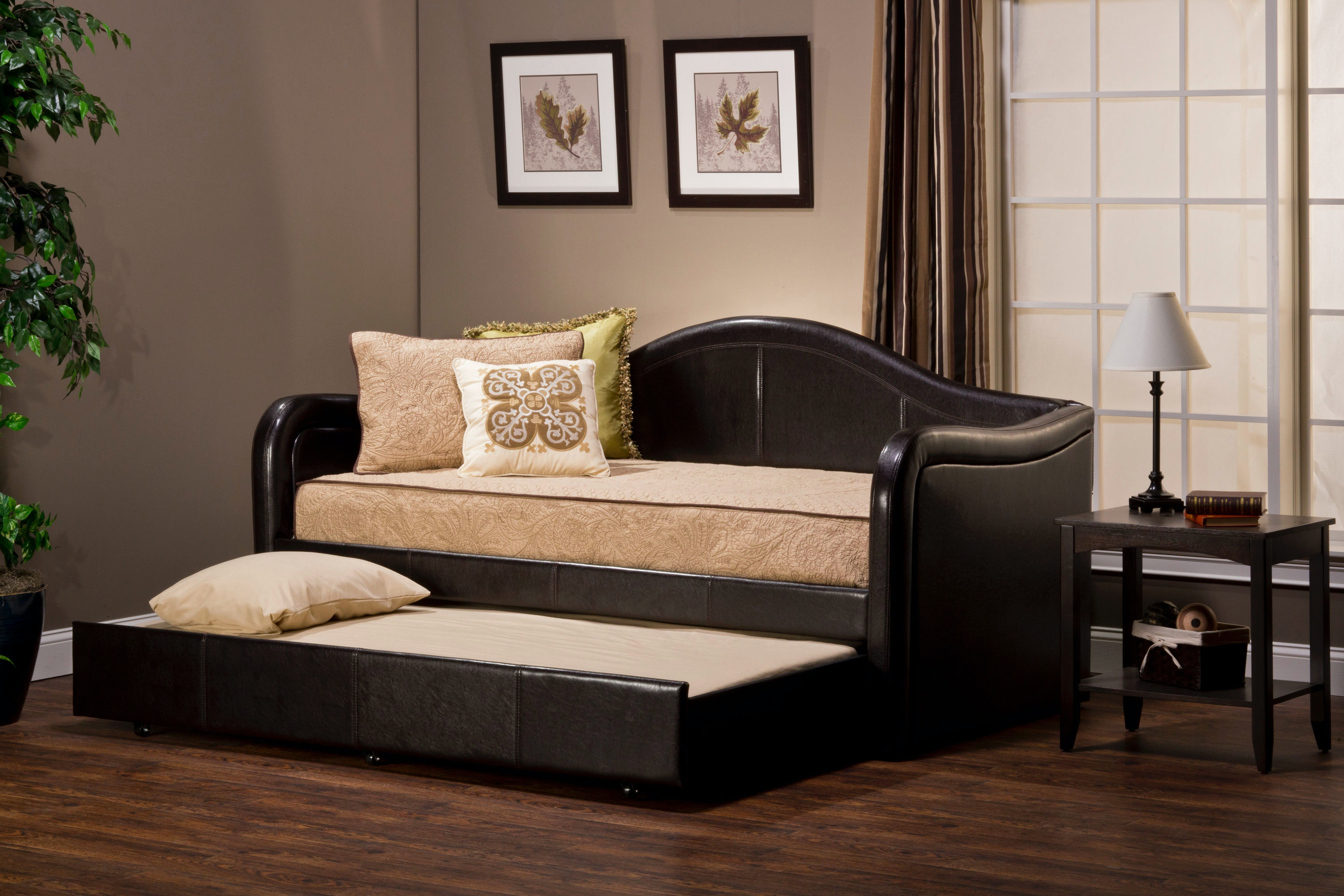 Hillsdale Furniture Bedroom Brenton Daybed 1719DB