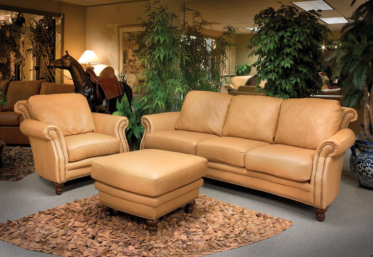 LG Interiors SAVANNAH LEATHER SOFA LTSOLGD64043