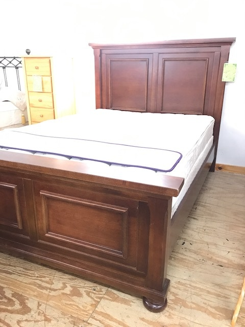 Beau Vaughan Bassett Living Room Queen Bed 532   Tip Top Furniture   Freehold, NY
