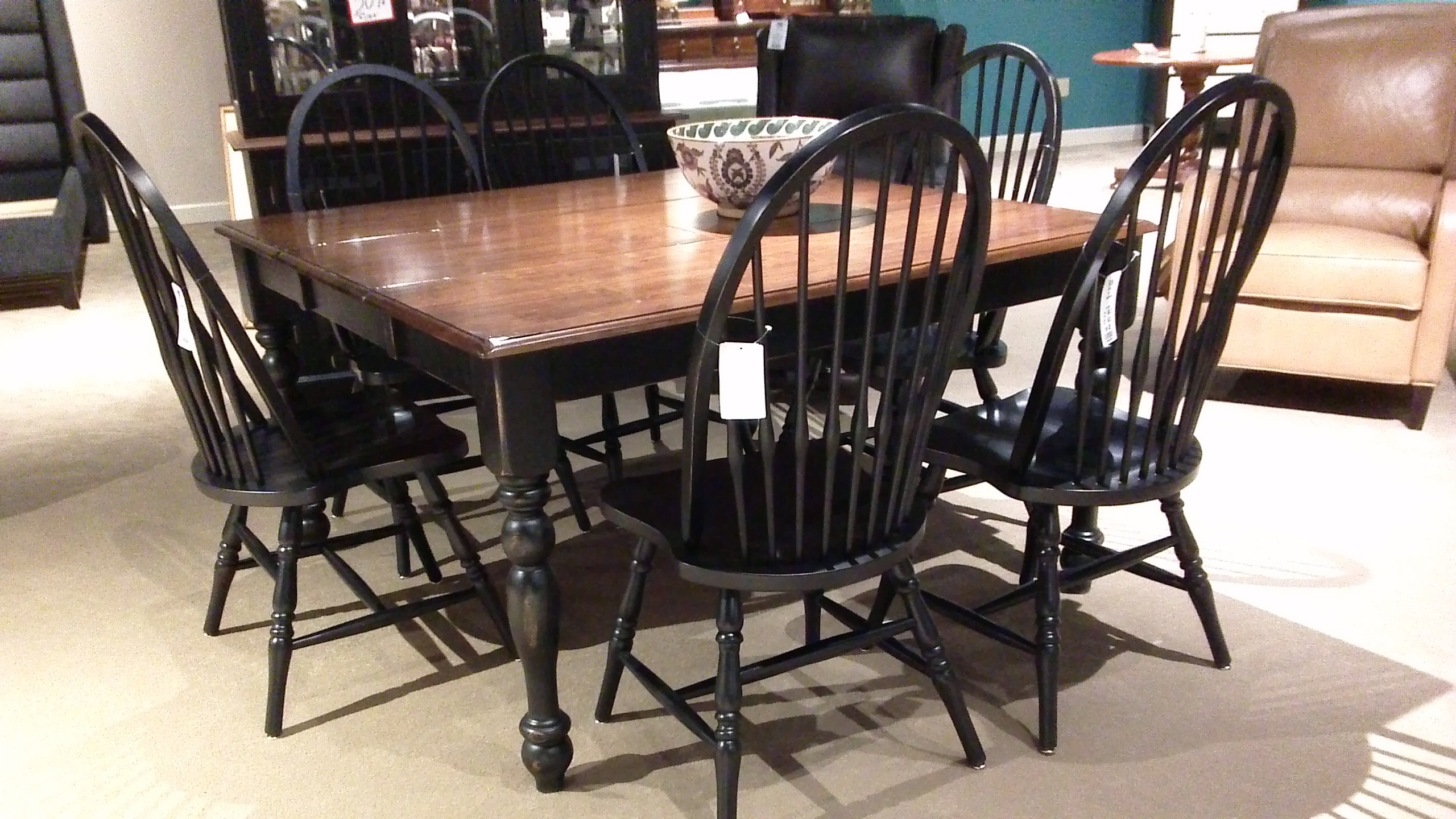 Clearance Dining Room Table And Matching China Cabinet PR969