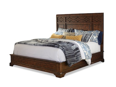 Trisha Yearwood Queen Panel Bed G65737