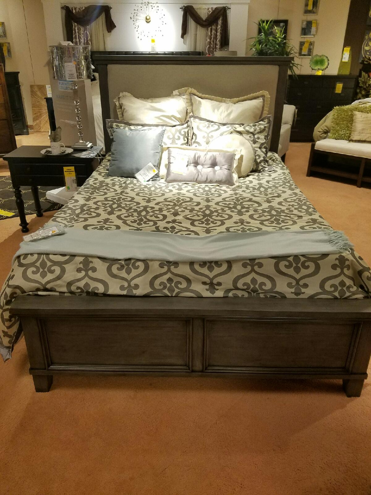 Bedroom Sets Rockford Il bassett brentwood queen bed, dresser, and mirror 2794-set