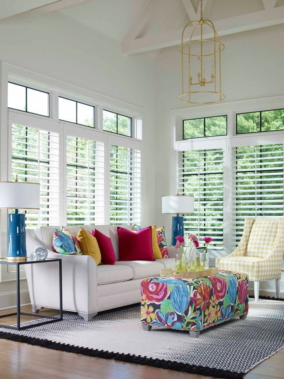 Vanguard Living Room Furniture: Vanguard Living Room Nicholas Sofa 644-S