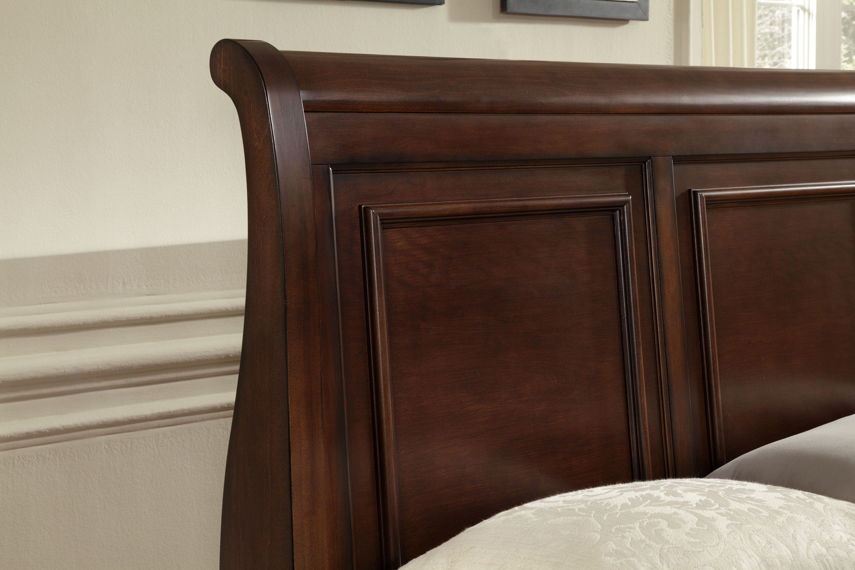 Vaughan Bassett Furniture Company Bedroom Queen Sleigh Bed 530 553 355 722 Fords Furniture