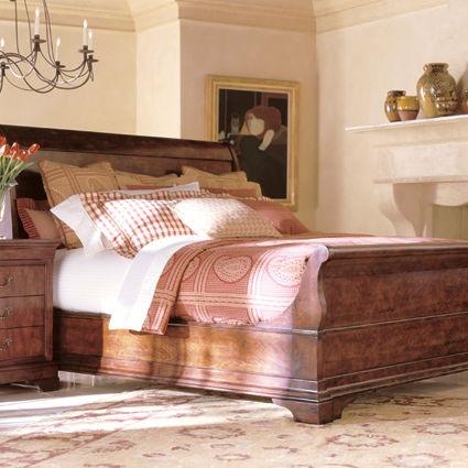 Henredon Sleigh Bed, 5/0 (Queen) 6200 10 93