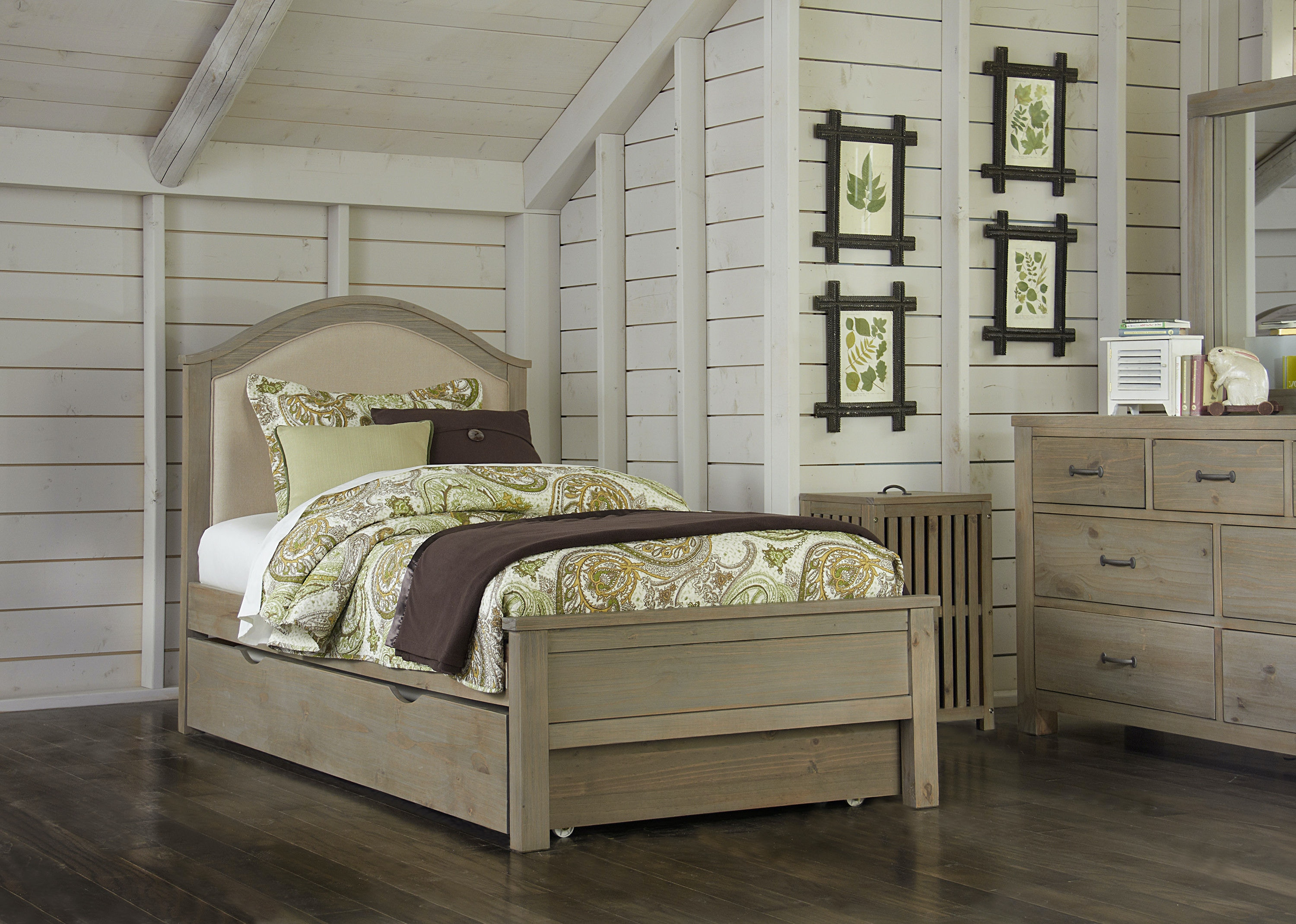 hillsdale kids and teen youth highlands bailey twin bed with trundle rh highpoint furniture com high twin bed for sale 18 inch high twin bed frame