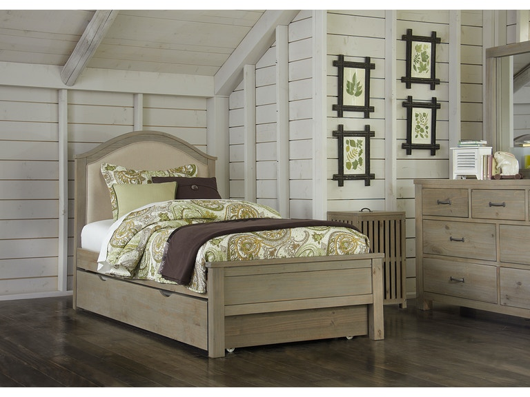 Hillsdale Kids and Teen Highlands Bailey Twin Bed With Trundle 10010NT