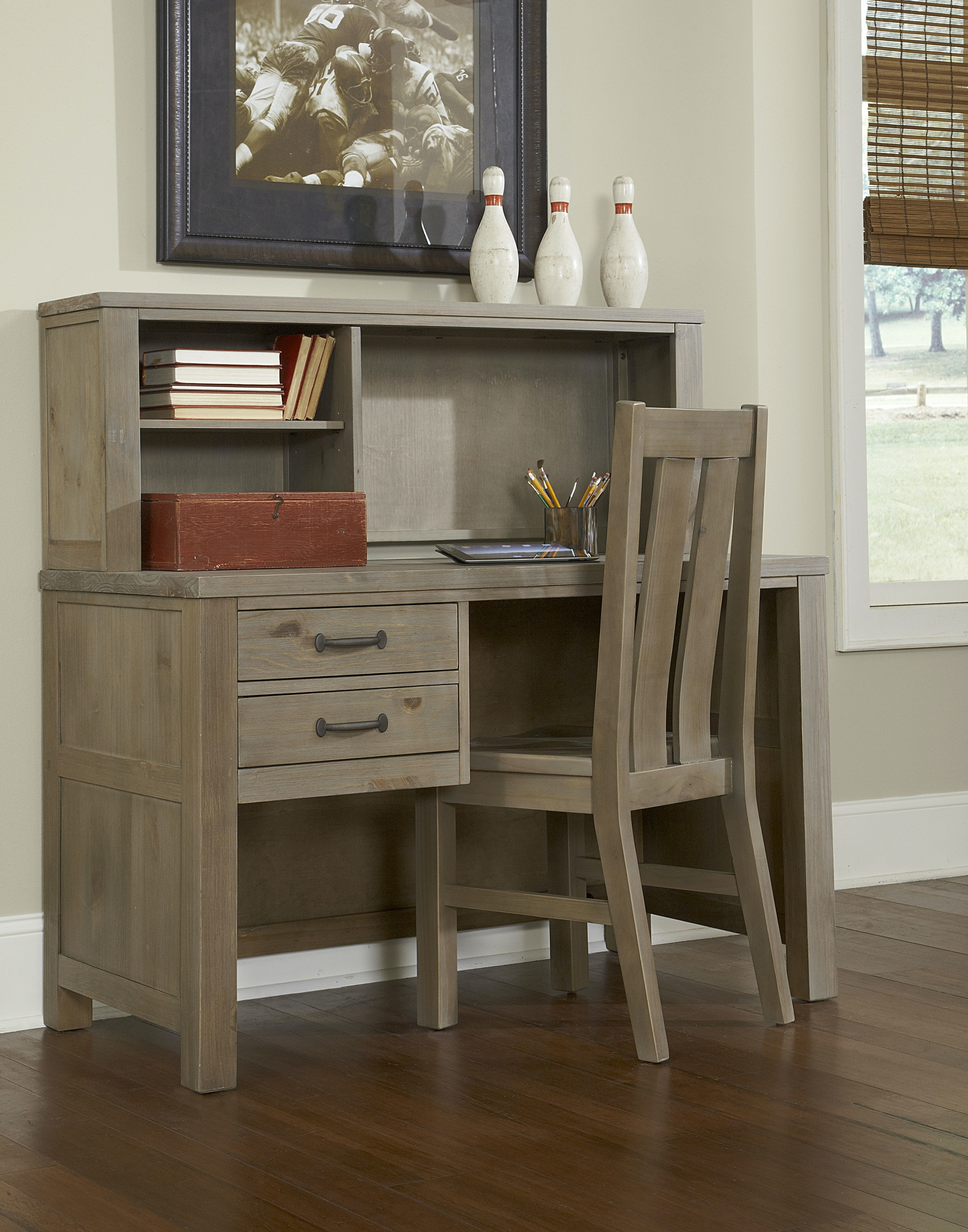 Hillsdale Kids And Teen Youth Highlands Desk With Hutch 10540ndh