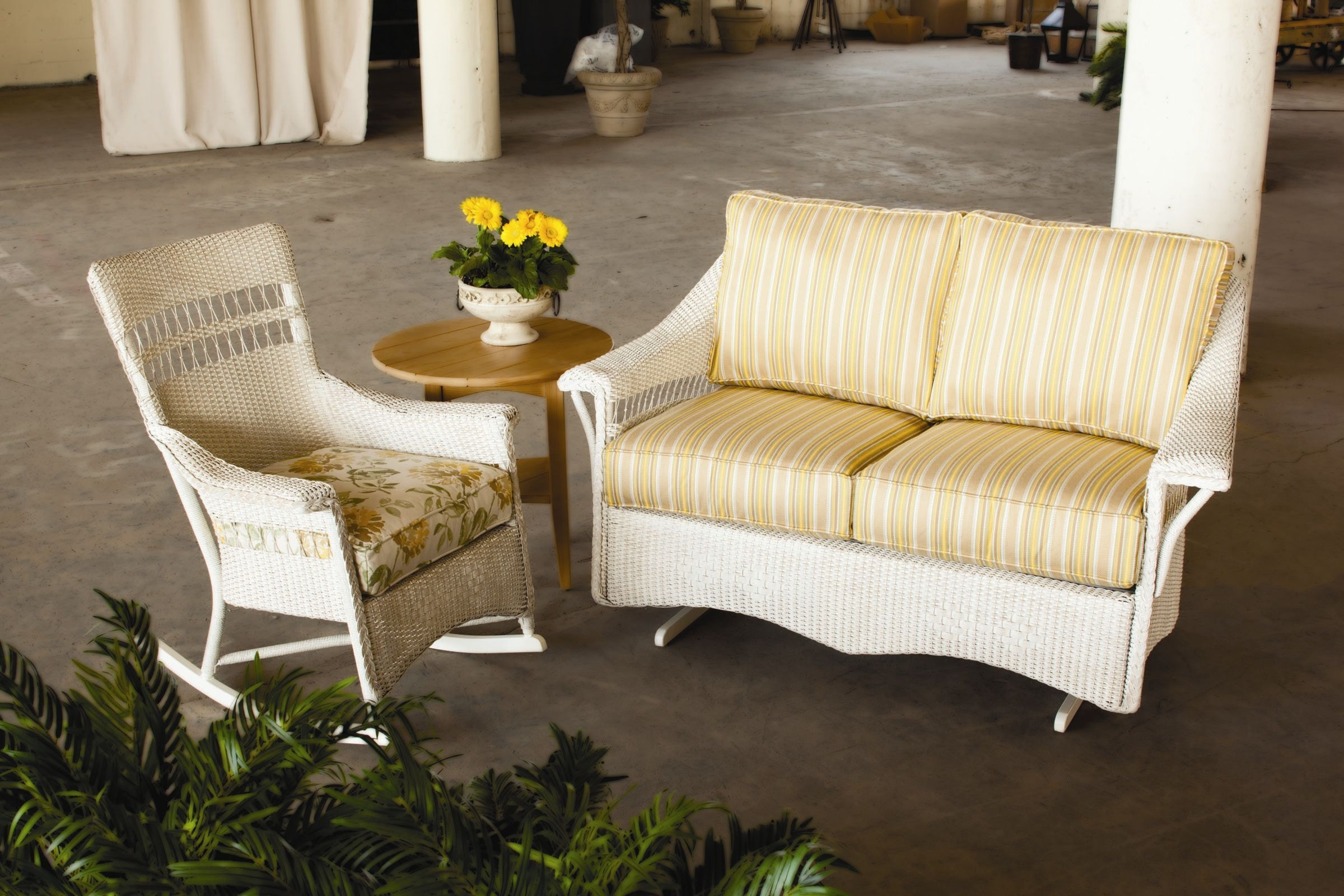 Lloyd Flanders Outdoor Patio Loveseat Glider Zing Casual Living Nap