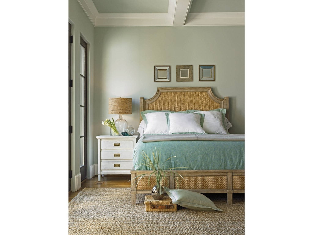 Coastal Living Water Meadow Woven Bed Queen 062 73 41