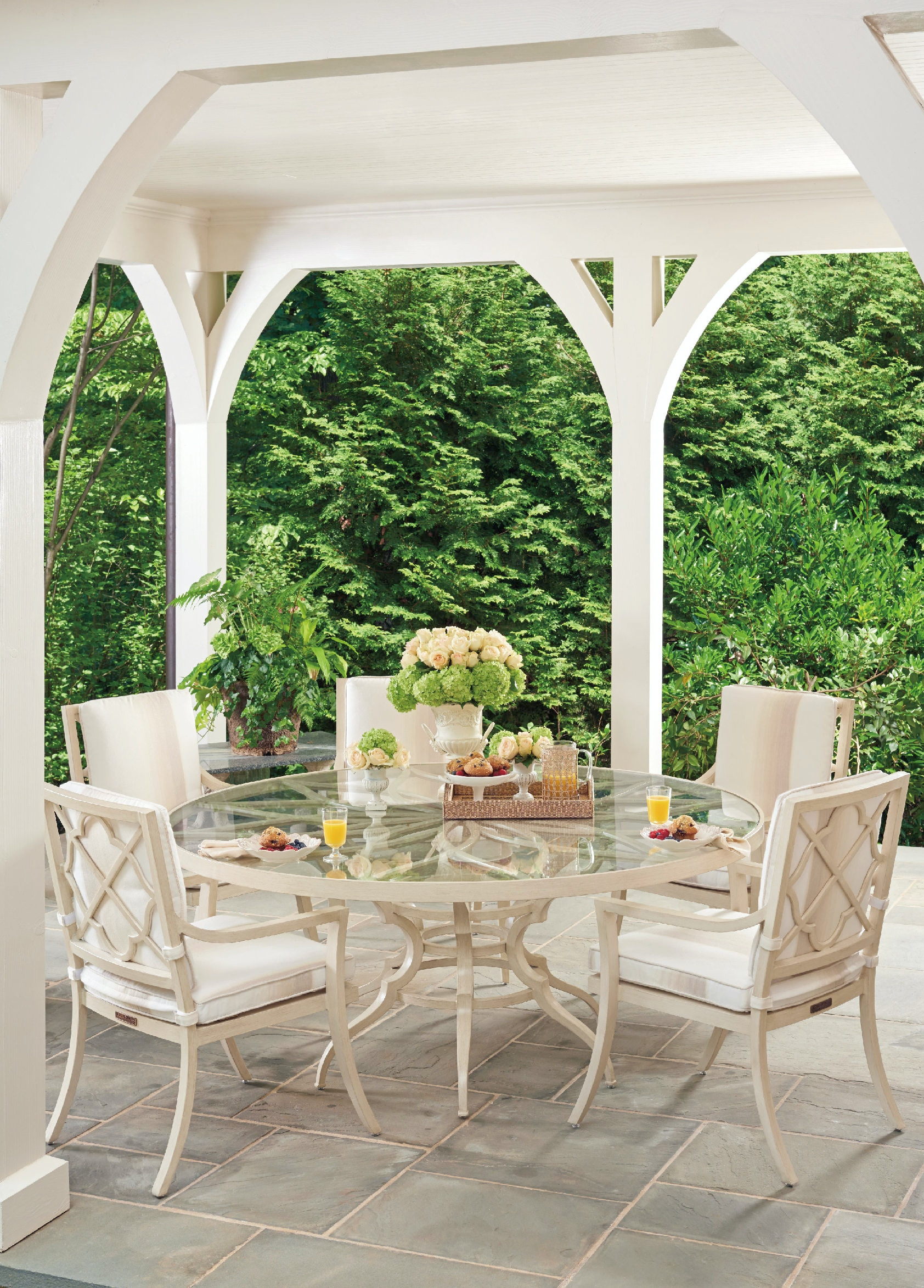 Tommy Bahama Outdoor Living   Round Dining Table Inset Glass ...