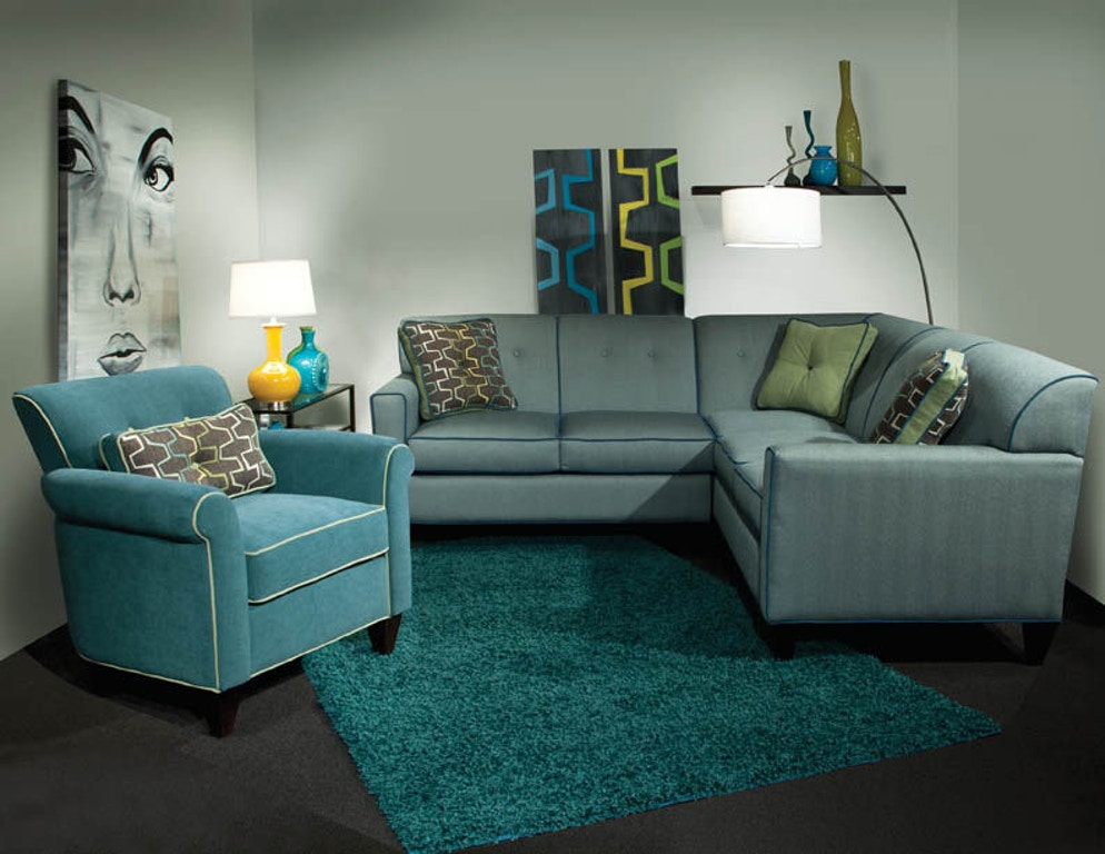 Marshfield Furniture Living Room Sectional With Chaise