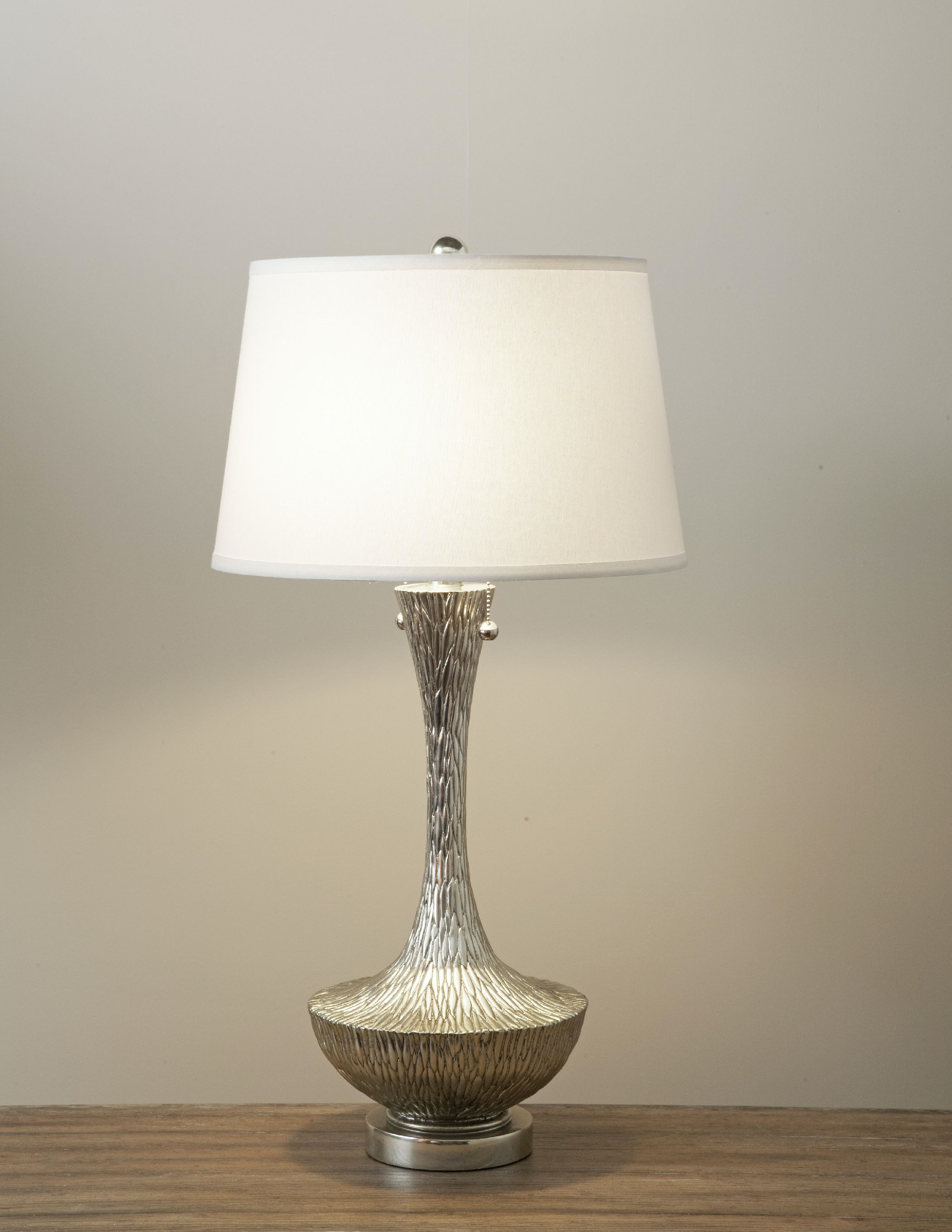 embossed silver table lamp st414325