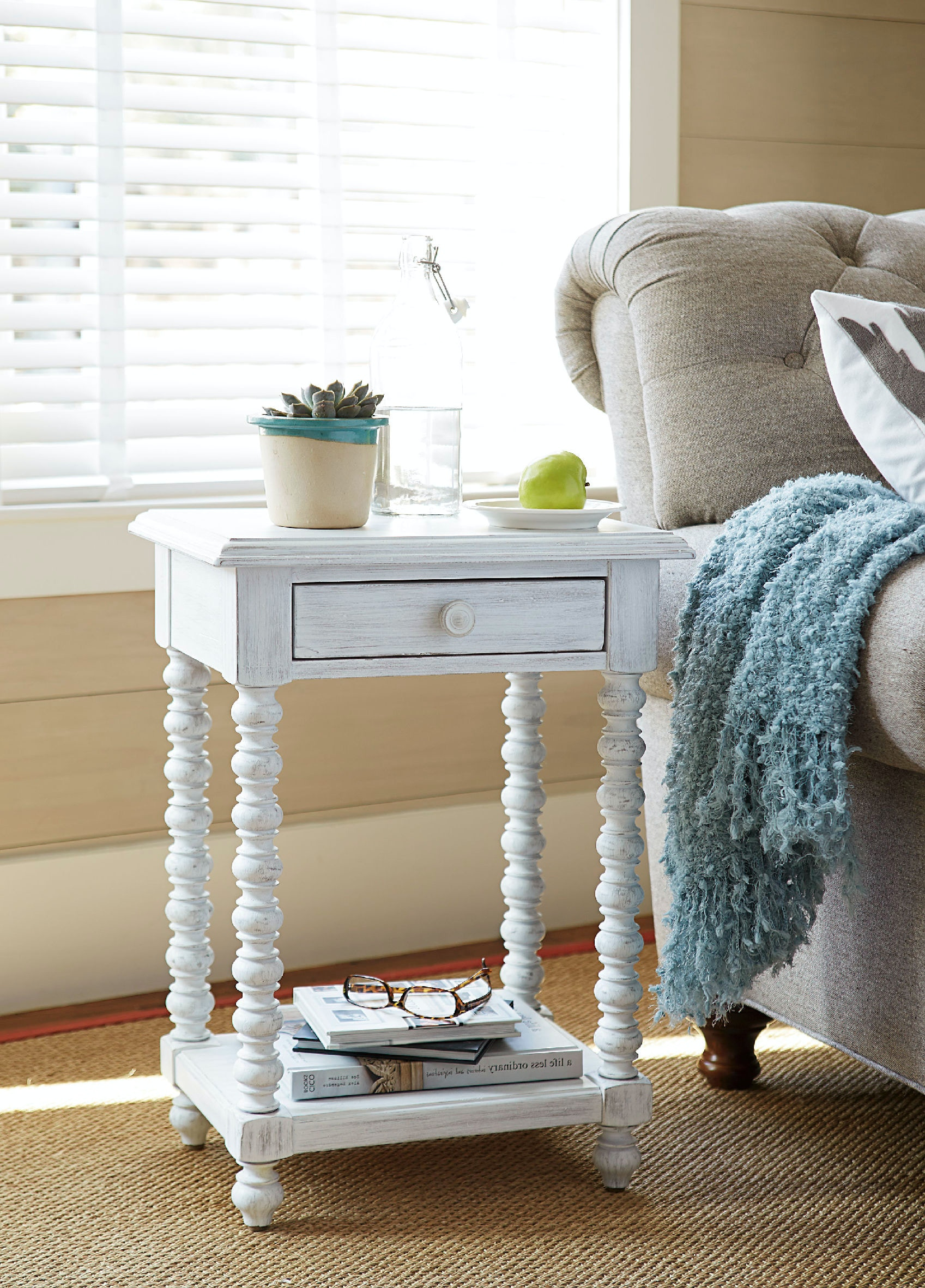 Paula Deen Dogwood Side Table ST:447793