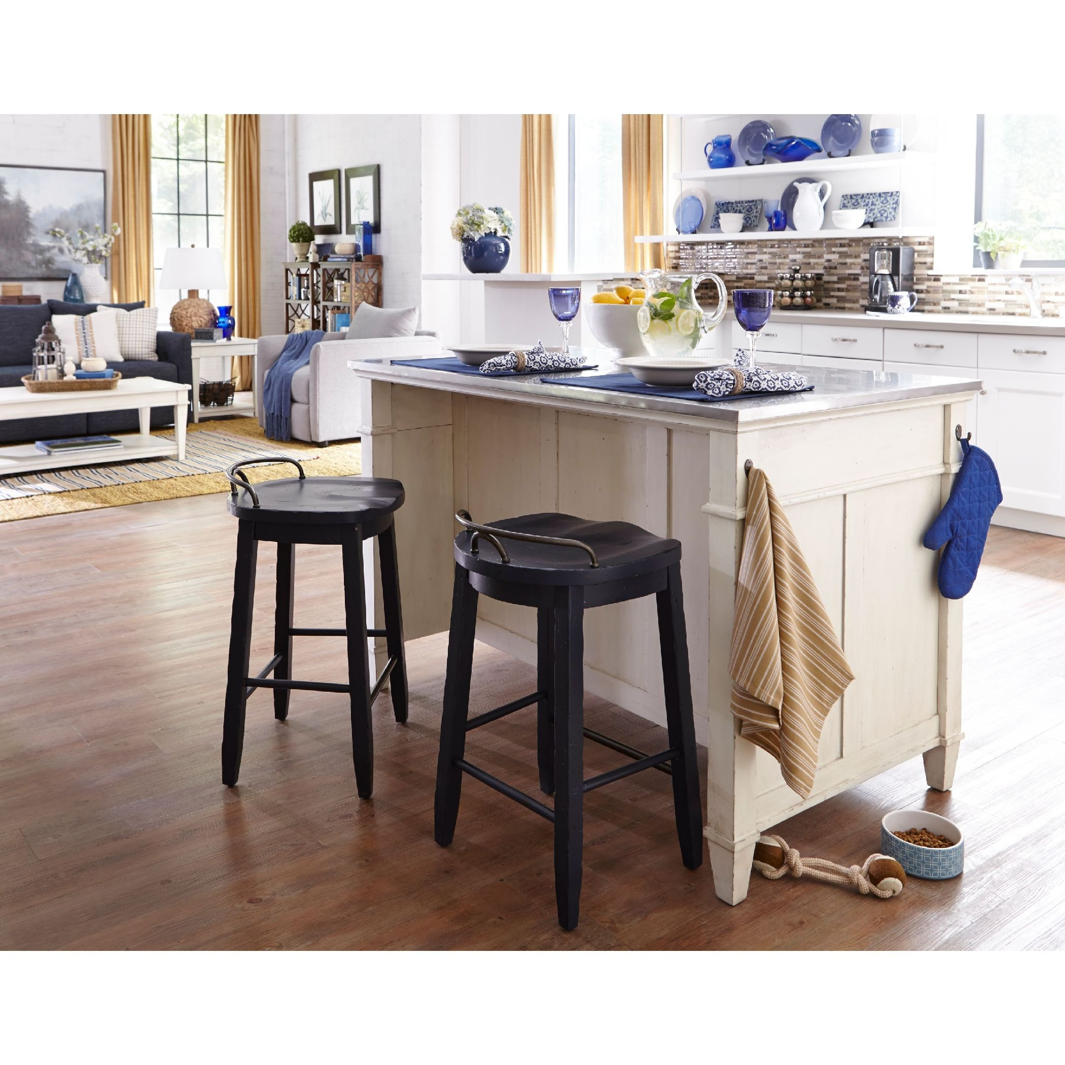 Trisha Yearwood   Cowboy Stool   BLUE ST:448232