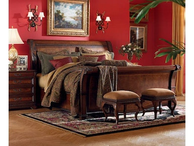 Napa Sleigh Bed