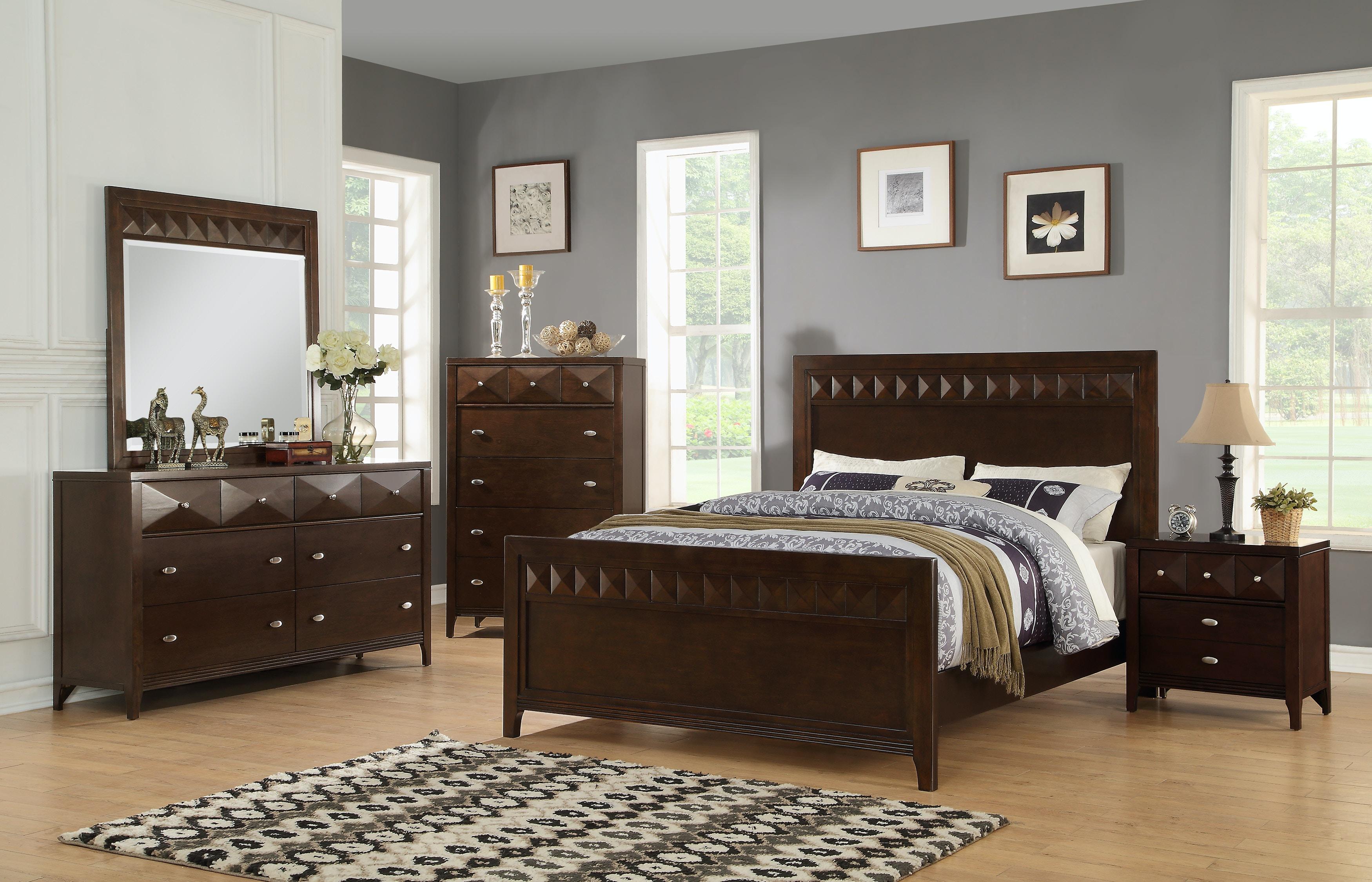 Brownstone 4 Piece Bedroom   KING