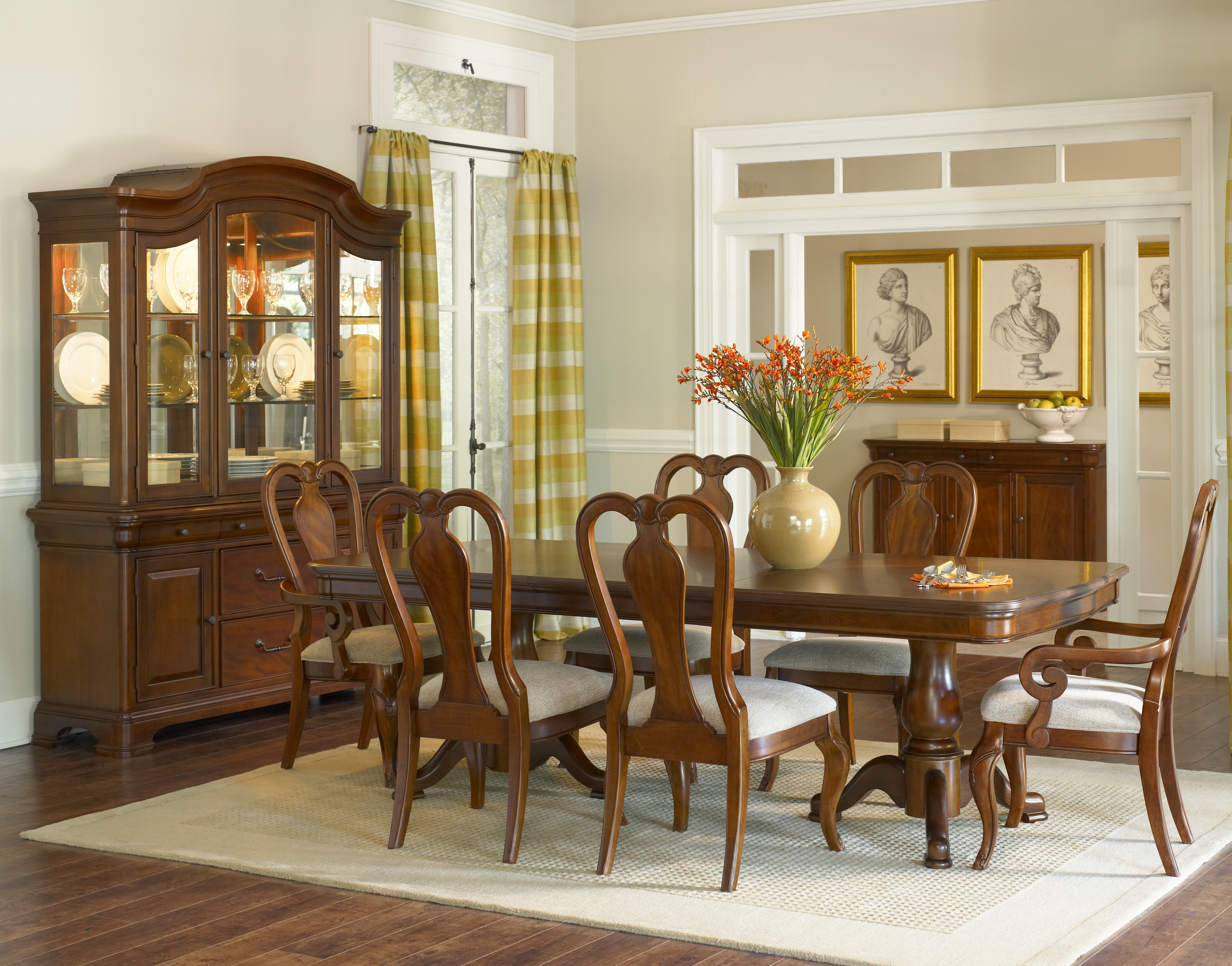 Evolution 5 Piece Dining Group
