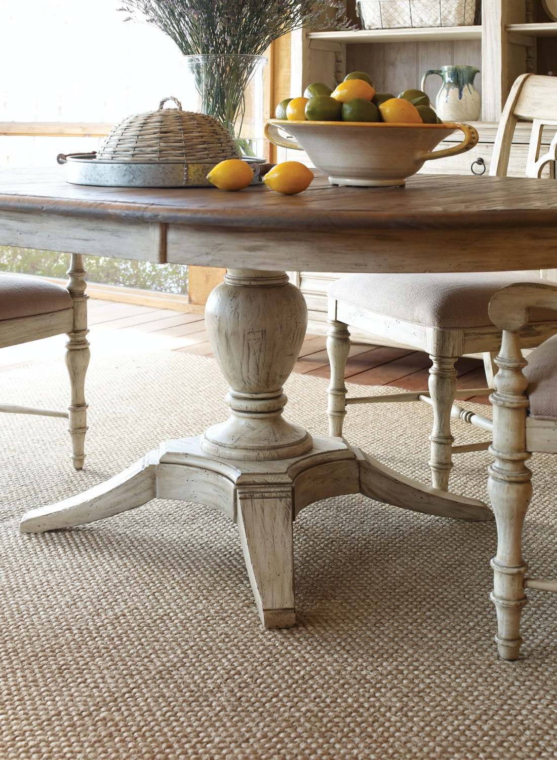 Weatherford Milford Round Dining Table KT:18648