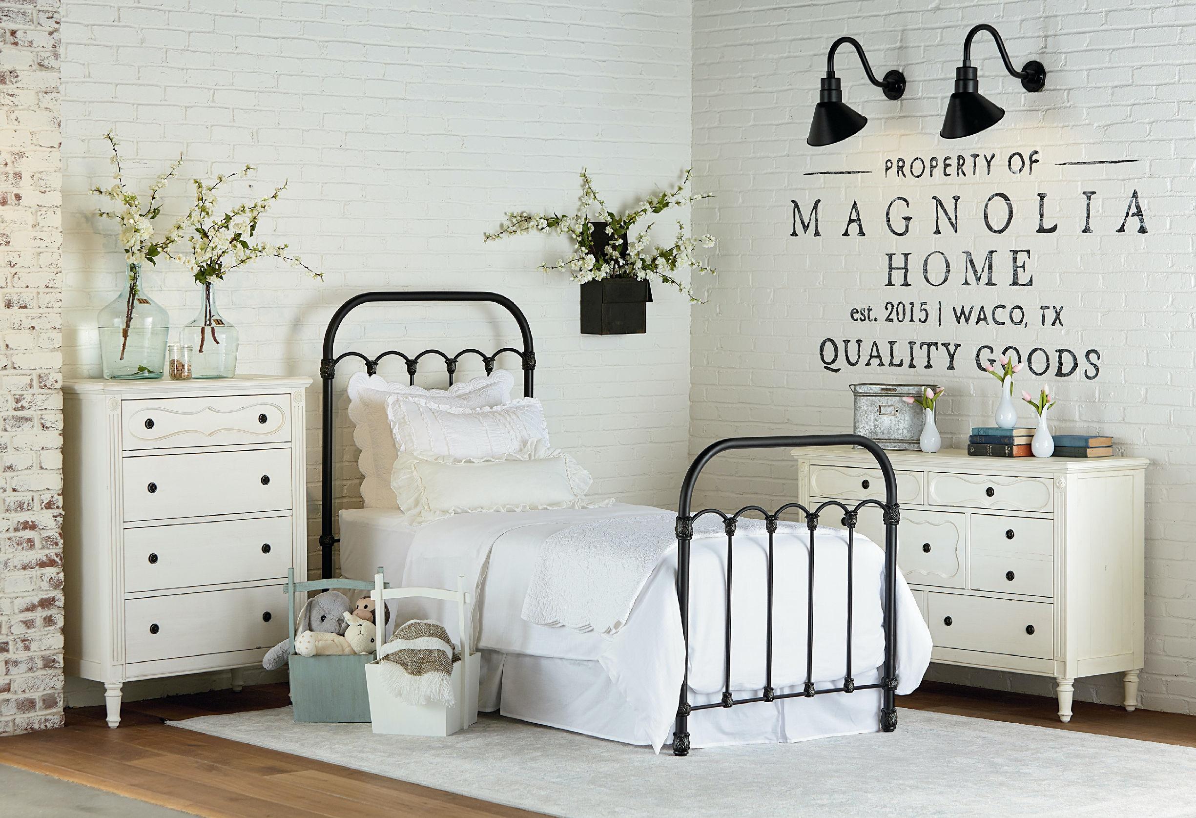Magnolia Kids U2013 Primitive Colonnade Metal Bed   FULL KT:66456