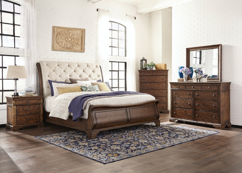 Trisha Yearwood Dottie Upholstered Headboard Sleigh Bed Queen Kt 81877