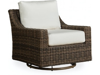 Outdoor Living Room | The Fire House Casual Living Store