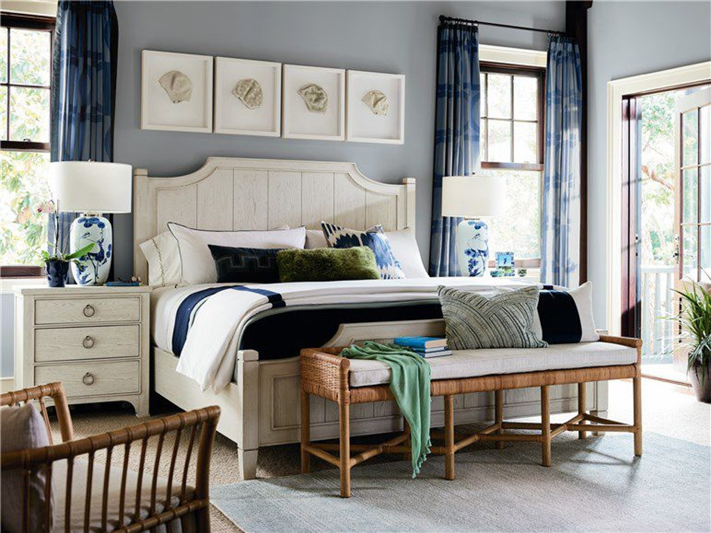 Coastal Living By Universal Surfside Queen Bed 833250b