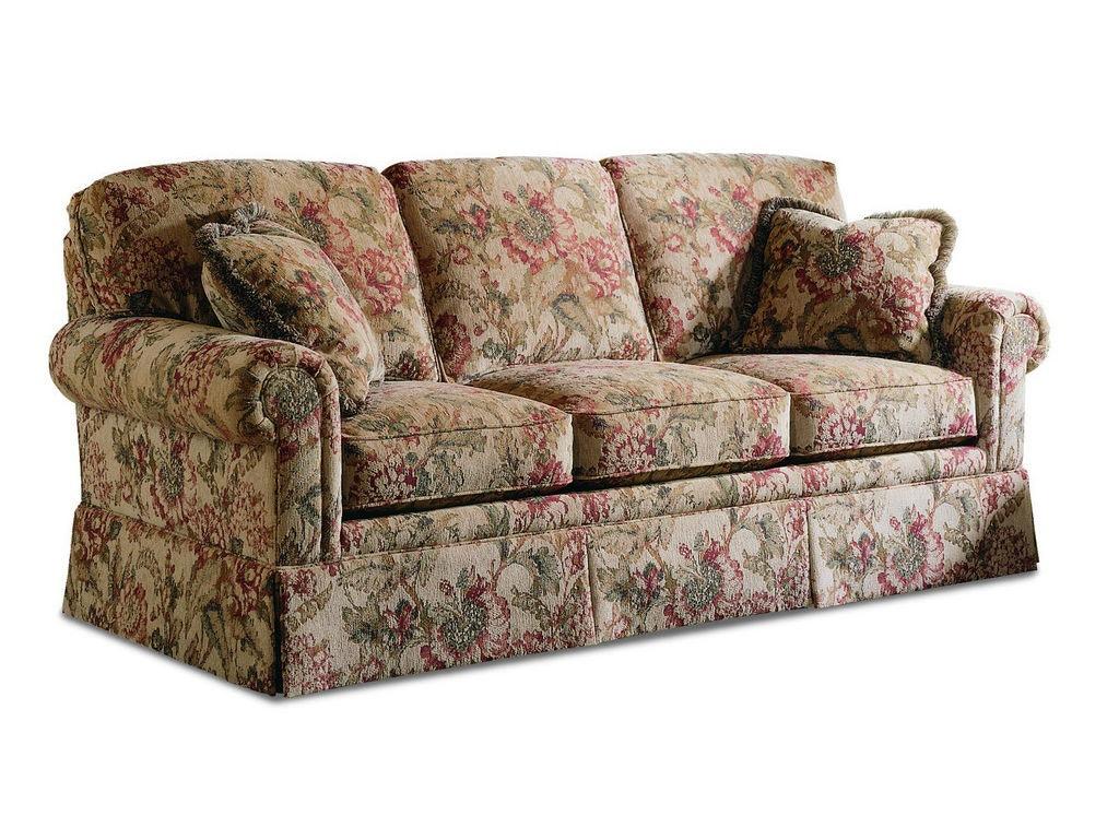 3061 3. Three Cushion Sofa